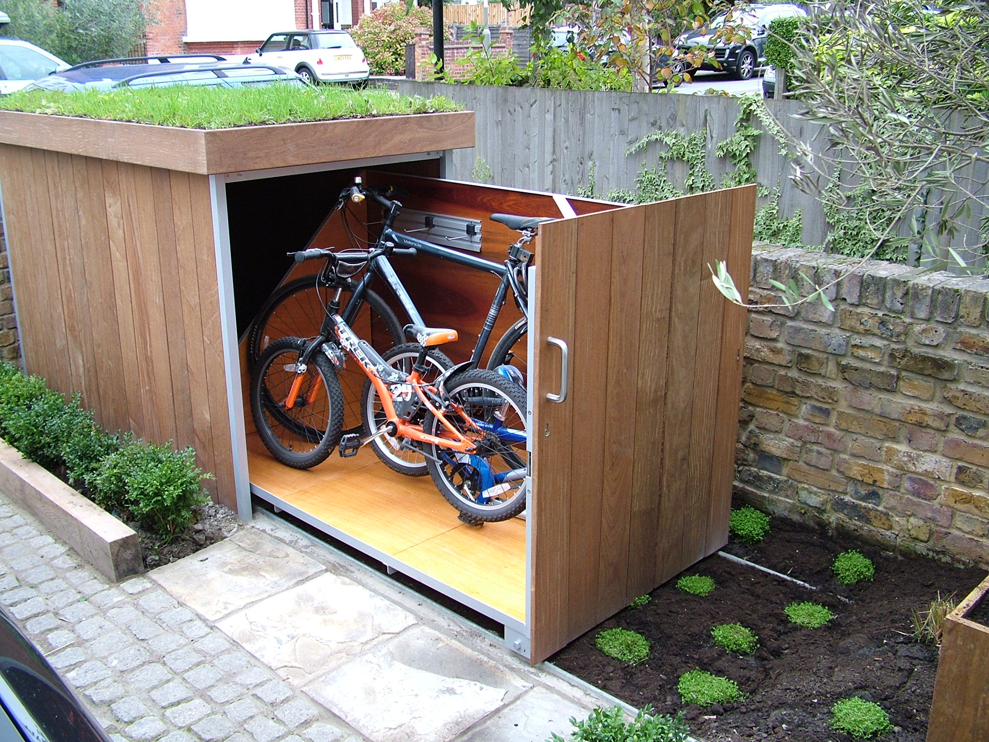 bike storage it started with a fight. Black Bedroom Furniture Sets. Home Design Ideas