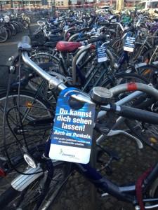 Kostenloser Lichtcheck mit dem Fahrradhänger.