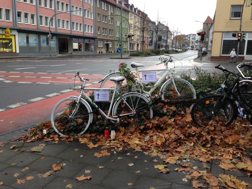 Ghost Bike neue Schilder