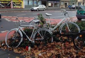 Ghost Bike ohne Schilder