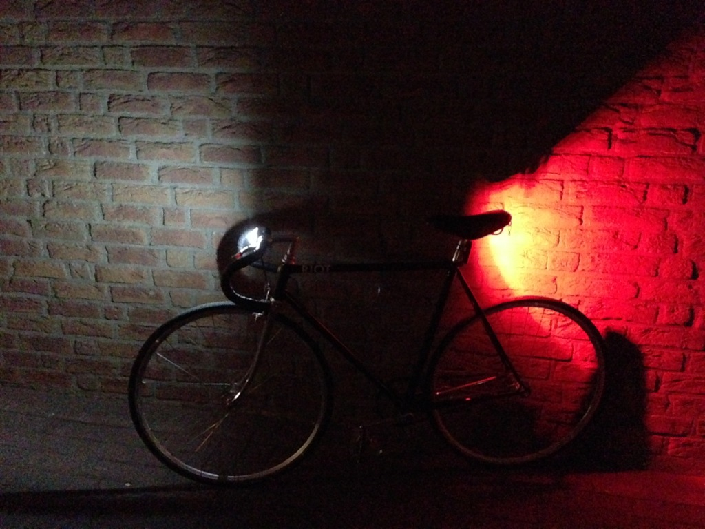 Fahrrad mit Curve Front Light
