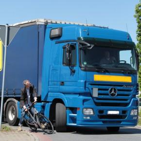 ADFC fordert verpflichtende Assistenzsysteme für Lkw
