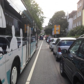 """Mindestabstand zwischen Auto und Rad """"realitätsfern"""""""