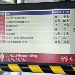 Anzeige in Bussen und Straßenbahnen erleichtert Umstieg auf Citybikes