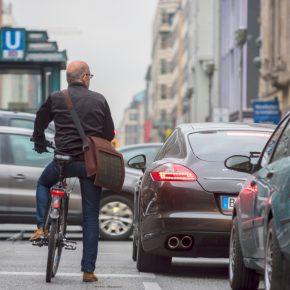 Aggression auf der Straße: Schuldzuweisen helfen nicht – Platzproblem lösen!