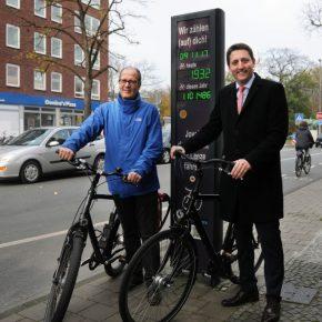 Millionen Radfahrer halten Münsters Verkehr im Fluss