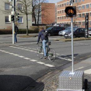 "Das ""Amber Light"" soll Radfahrer vor abbiegenden Fahrzeugen schützen"
