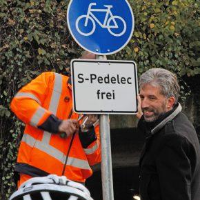 Tübingen gibt den ersten Radweg für S-Pedelecs frei