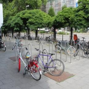Osnabrück: Neue Radbügel an der Uni
