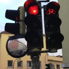 Von Radfahrern, roten Ampeln und Unfällen