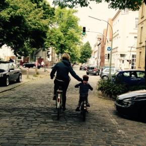 Ich bin mit dem Fahrrad gefahren, obwohl…