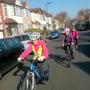 So kommen Kinder in London mit dem Fahrrad sicher zur Grundschule