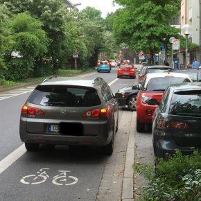 Was tun gegen Falschparker auf Radwegen?