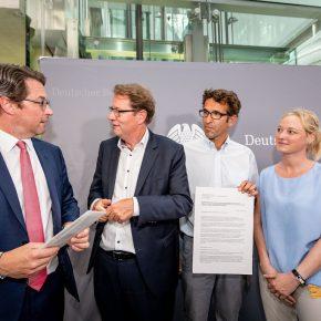 Parlamentskreis Fahrrad fordert 100 Euro Bußgeld für Radwegparker
