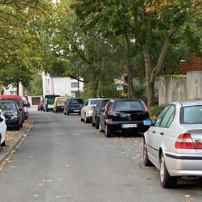Zu viel, zu groß, zu faul: Autos im öffentlichen Raum
